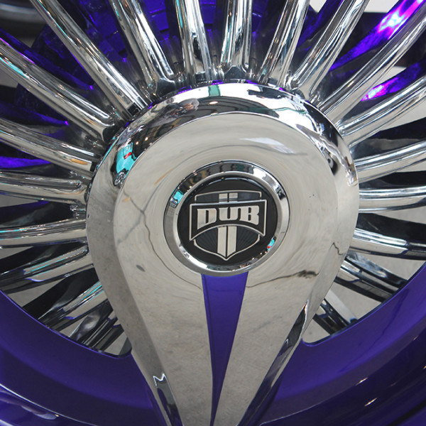 Riding-Big-Car-Show-Dubs