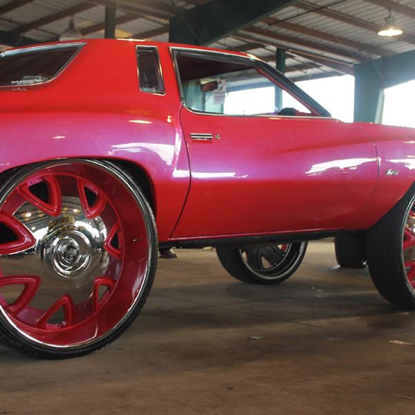 Riding-Big-Car-Show-Pink-Car-Floaters