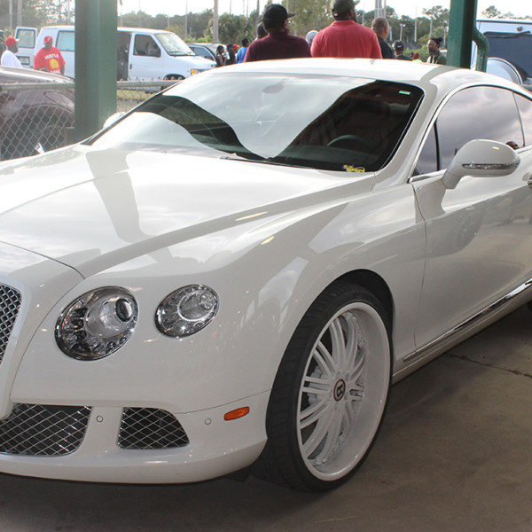 Riding-Big-Car-Show-White-Floater